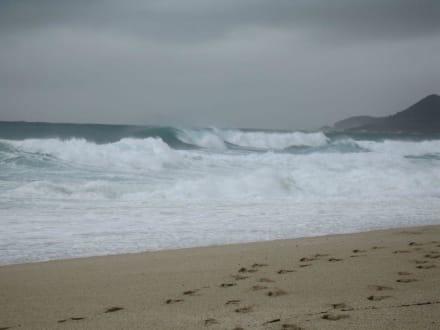 Hohe Wellen nach einem Gewitter - Strand Kleopatra/Strand Damlatasch