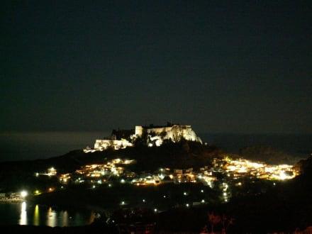Lindos bei Nacht - Akropolis von Lindos