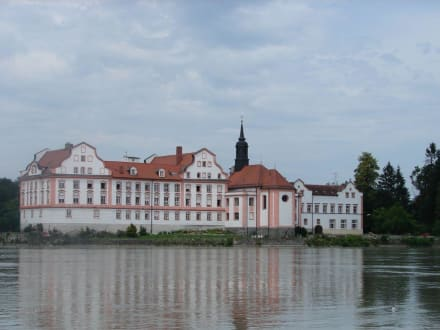Schloss am Inn - Marktplatz