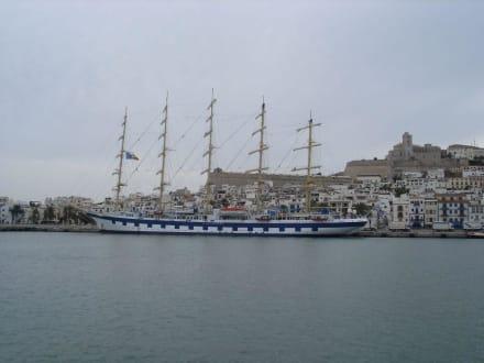 Vom Boot aus aufgenommen - Hafen Ibiza Stadt