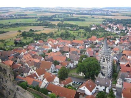 Der Blick auf die Stadt. - Burg Münzenberg
