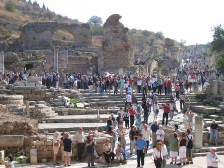 Blick von der Bibliothek - Antikes Ephesus