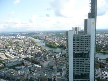 Commerzbank Tower und Main - Maintower