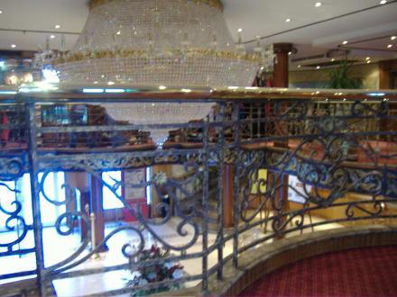 Kronleuchter der Lobby - Grand Rose