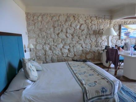 sch ne zimmergestaltung bild citadel azur resort in sahl. Black Bedroom Furniture Sets. Home Design Ideas