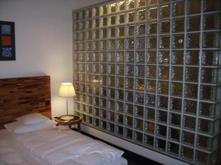 glaswand zum bad bild hotel m venpick berlin in berlin. Black Bedroom Furniture Sets. Home Design Ideas