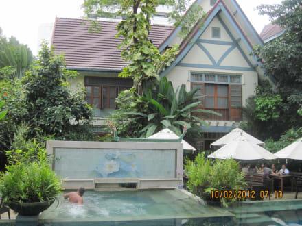 Blick vom Pool - Hotel Ariyasomvilla