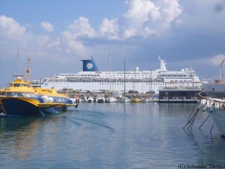 Der Hafen von Rhodos - Yachthafen Mandraki