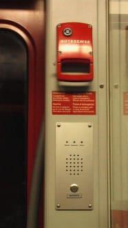 Notbremse und Sprecheinrichtung zur Leitstelle - Transport