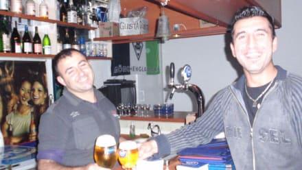 Das nette Personal - Jasmin Bar