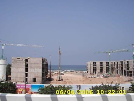 Baustelle gegenübe LTI Al Madina Palace - Stadtrundfahrt Agadir