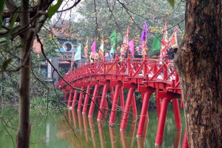 The Huc - die Brücke der aufgehenden Sonne - Hoan Kiem See