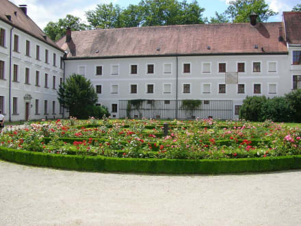 Rosengarten - Altes Schloss & Kloster Herrenchiemsee