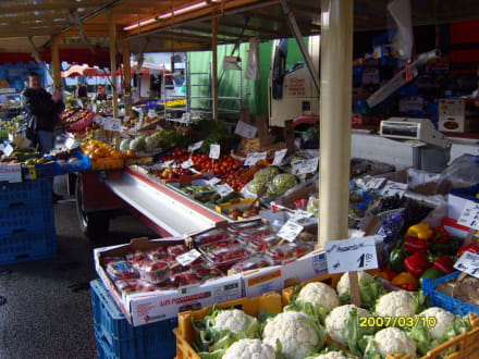 Obst & Gemüse, alles frisch, auch exotisches!  - Heider Marktplatz