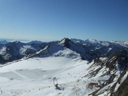 Blick zum Schlepplift Gaisskarferner - Skigebiet Stubaital
