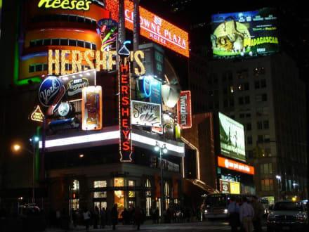Times Square 2 - Times Square