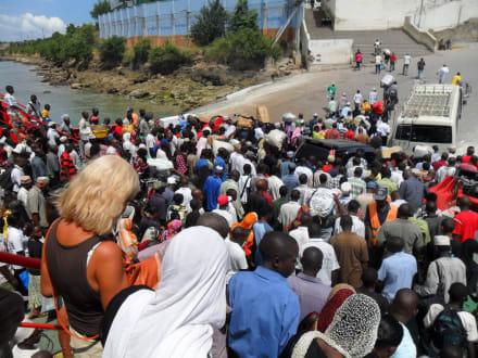 Fähre nach Mombasa - Likoni Fähre von Mombasa