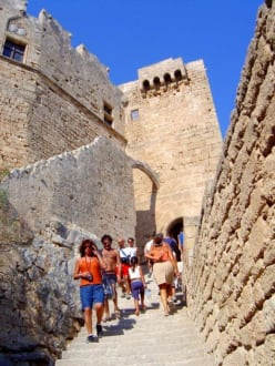 Auf dem Weg zur Akropolis. - Akropolis von Lindos