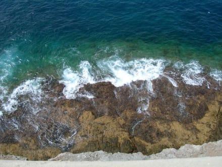 Ausblick auf der Küstenpromenade... - Strand Playa de Amadores