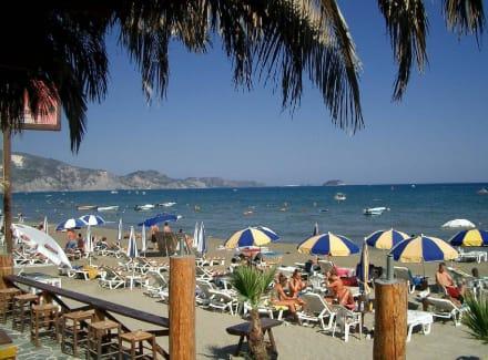 Laganas Strand, Blick aus der Strandbar Cubaneros - Strand Laganas