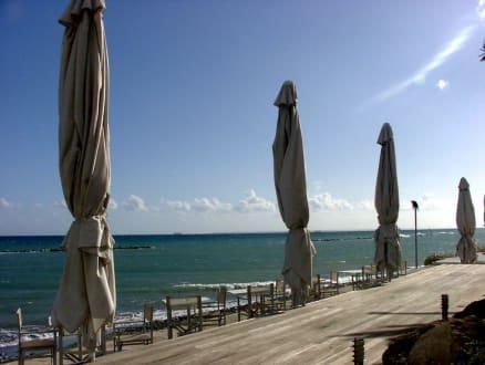 Pebbels: Schöne Terrasse über den Wellen - Pebbels