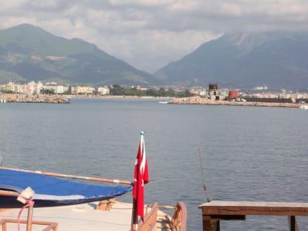Blick von Land - Hafen Alanya