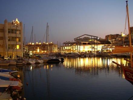Der Hafen von Benamaldena bei Nacht... - Hafen Puerto Marina