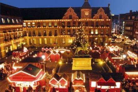 Markt/Bazar/Shop-Center - Weihnachtsmarkt Düsseldorf