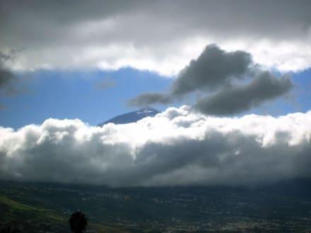 Kurzer Blick auf den Teide, 3718 m - Teide Nationalpark