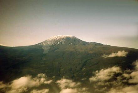 Schnee am Kilimanjaro - Nationalpark Kilimandscharo / Kilimanjaro