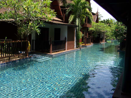 pool von der terrasse bild hotel takolaburi khao lak in. Black Bedroom Furniture Sets. Home Design Ideas