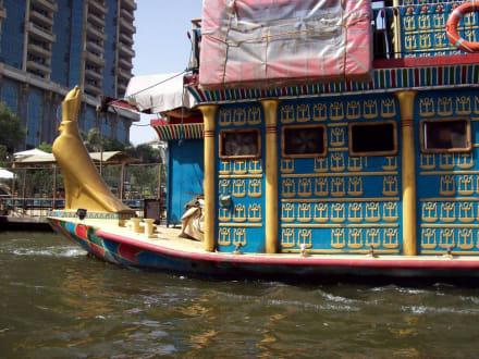 Sehr schönes Restaurantboot - Bootstour auf dem Nil