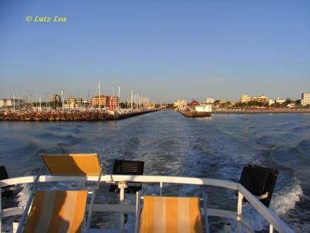 Hafeneinfahrt Milano Marittima/Cervia - Ausflug mit der Rossana auf die Adria