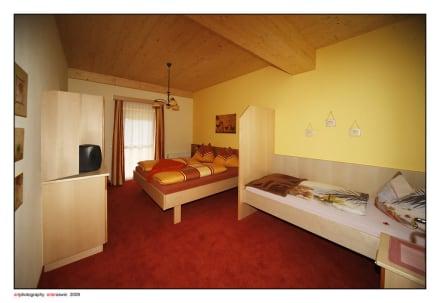 Dreibettzimmer - Hotel Garni Zerza