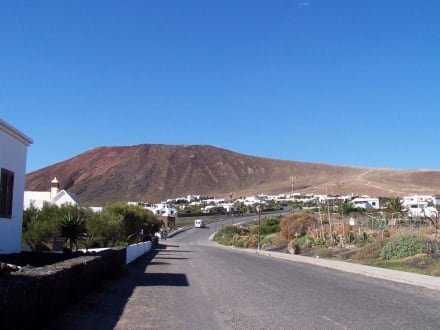 Blick zum Montana Roja - Vulkan Montaña Roja