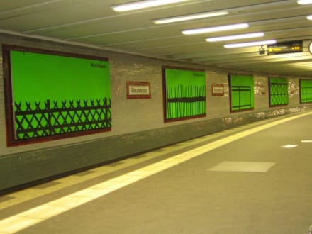 U-Bahn Staion am Alexander Platz - Alexanderplatz
