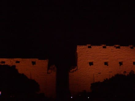 Beleuchteter Eingangspylon - Amonstempel Karnak