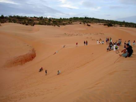 Spaß beim Rutschen von den Sanddünen - Sanddünen