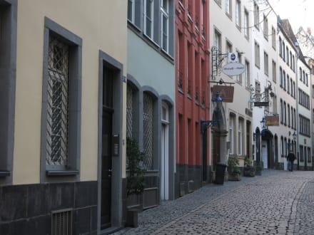 Alte Häuser - Altstadt Köln