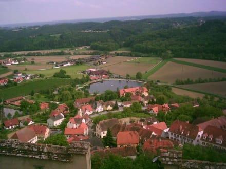 Blick von oben - Burg Riegersburg
