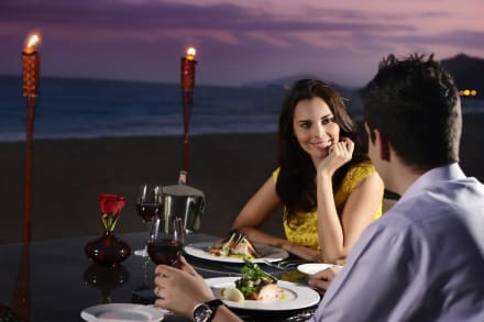 Waves Beach Restaurant-Romantic dinner(Close Shot) -