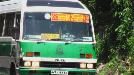 Bus mit Schild ( Frontscheibe ) - Transport