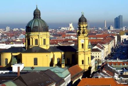 Die Theatiner-Kirche - Theatinerkirche