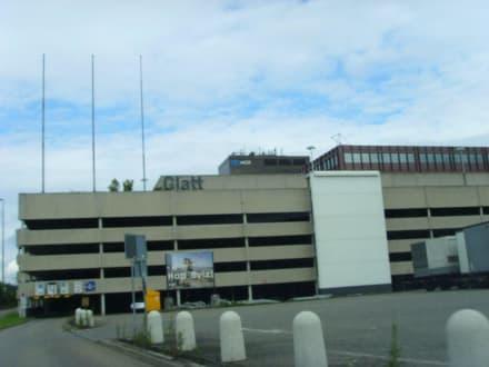 Die bekannte Fassade - Glattzentrum
