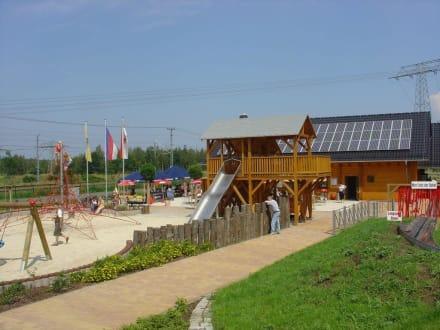 Spielplatz und Talstation - Erlebnispark Teichland