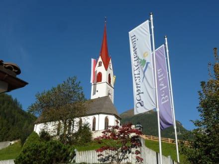 Kirche in Luttach - Hotel Schwarzenstein