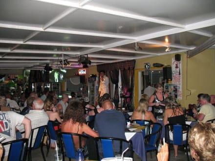 Colon-Beach-Show - Colon Beach Restaurant
