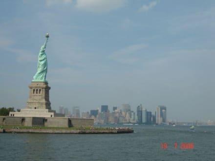 Blick auf die Skyline - Freiheitsstatue