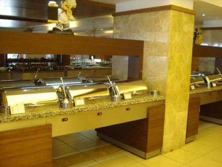 Restaurant & Buffet - Hotel Crystal Flora Beach Resort
