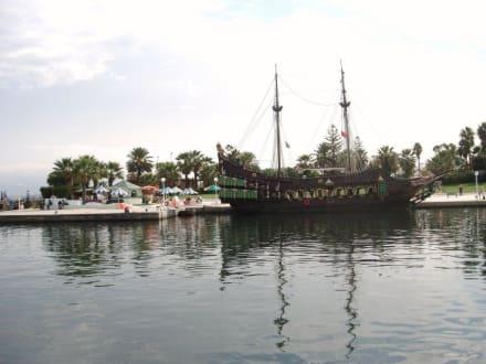 """""""Piratenschiff"""" im Hafen - Yachthafen Port el Kantaoui"""